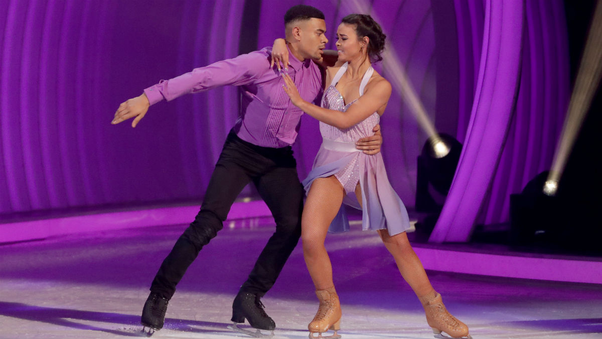 Dancing On Ice Romances Celebrities Who Found Love On The Ice Bt Tv